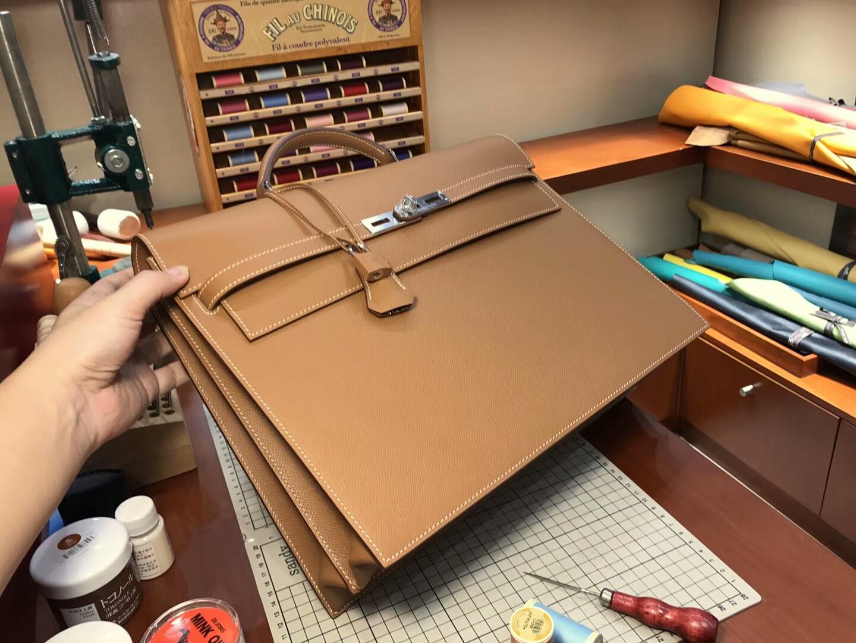 HERMES 爱马仕 男士公文包  CK37金棕色Gold 现货系列 配全套专柜原版包装 银扣