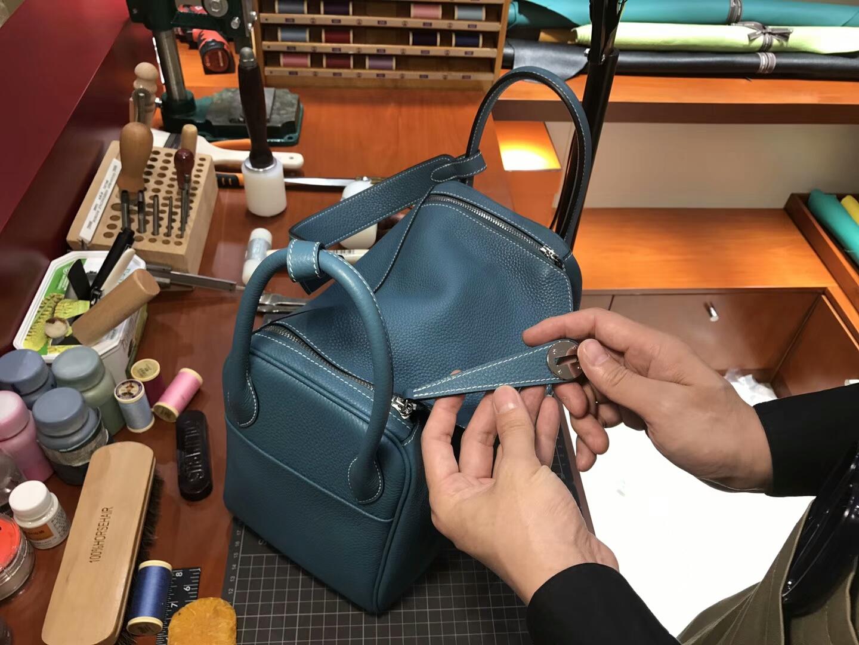 爱马仕 HERMES Lindy 26/30cm r2玛瑙蓝 银扣 配全套专柜原版包装