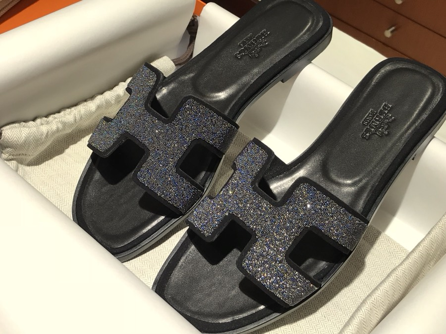 Hermes 新款细钻款拖鞋 高端订制 独家品质 黑色