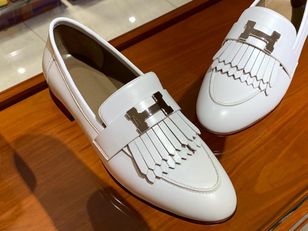 18年秋冬新款女款乐福鞋 白色 康康H扣流苏平底鞋 羊皮 独家品质