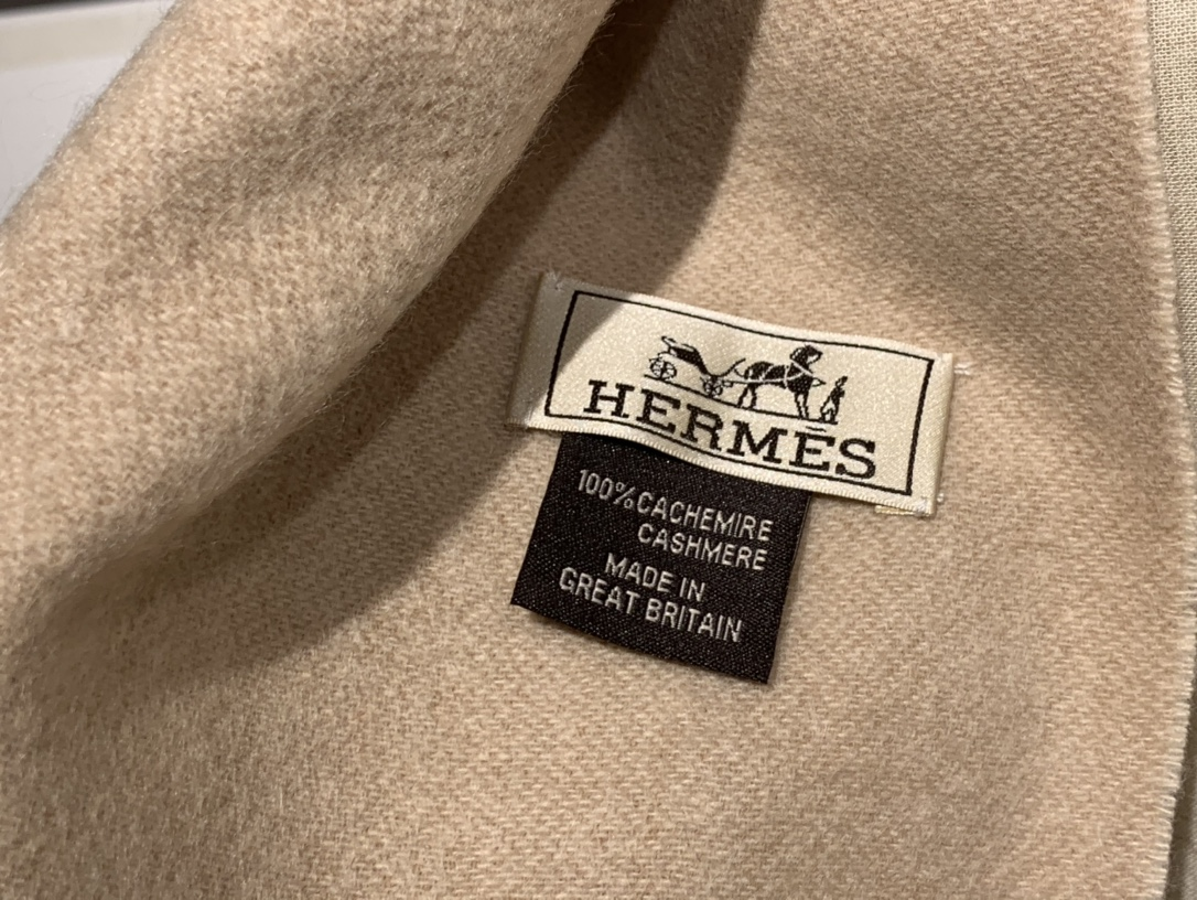 爱马.士 2020新款羊绒围巾 驼色 两用AB面 情侣款 男女通用 30*180cm 5A级纯羊绒 原版全套包装