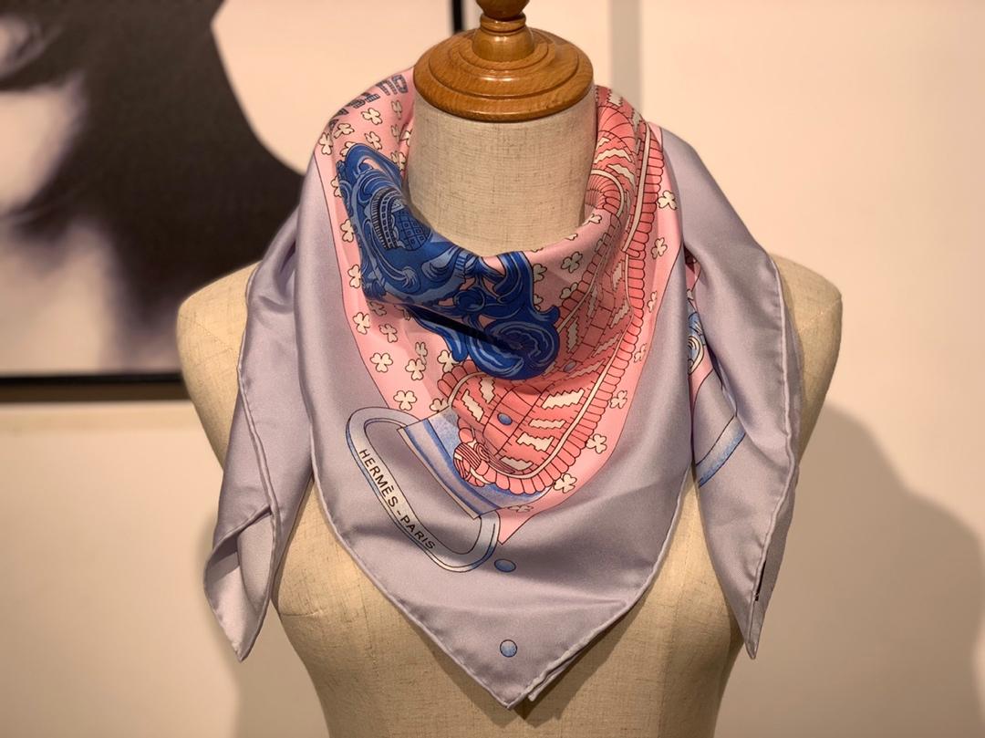 《沙皇的环扣水洗方巾》90x90cm 蚕丝面料 包装工艺过关