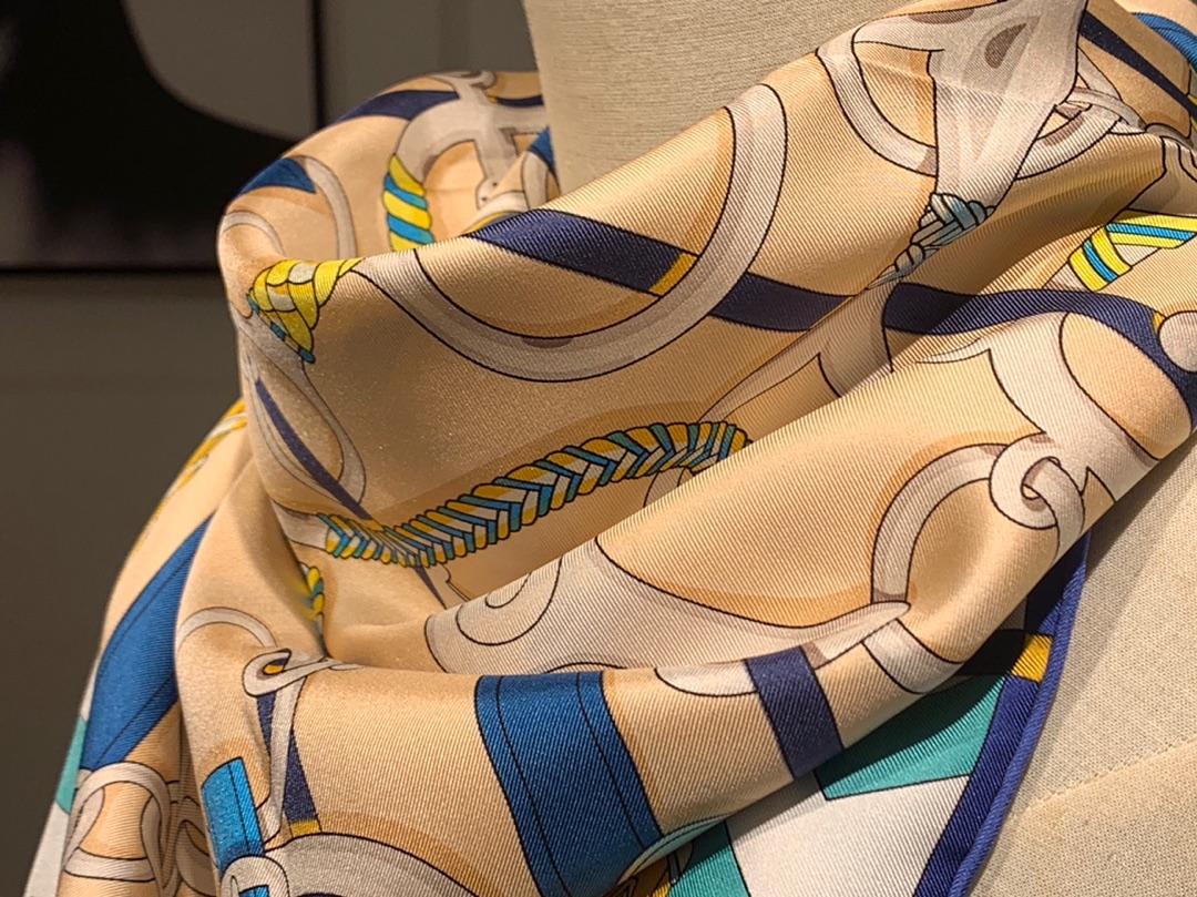 H 方巾《全副马具》粉色 90×90cm100%斜纹桑蚕丝 姆米数足套色一级