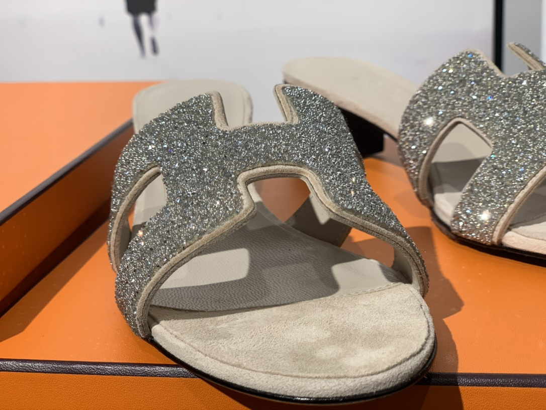 爱马仕官网 H新款水钻款拖鞋 高端订制独家品质 平跟35~41 中跟35~41(跟高5CM)