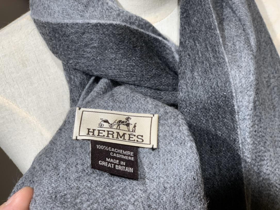 爱马.士 2019新款羊绒围巾 黑灰色 两用AB面 情侣款 男女通用 30*180cm 5A级纯羊绒 原版全套包装