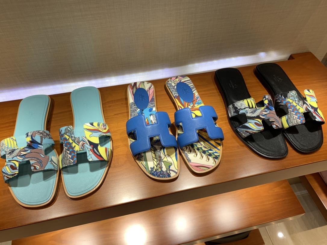 爱马仕价格 HERMES 平底 中跟 拖鞋 彩绘 夏日必备
