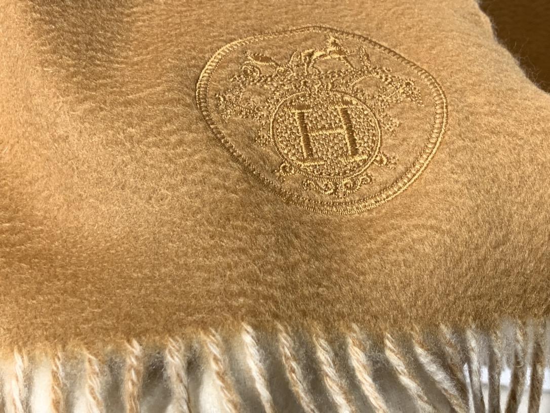 强推款  镇店之宝  原单品质  送礼首选  H家  素色双面羊绒大披肩 5A级纯羊绒  70*200cm