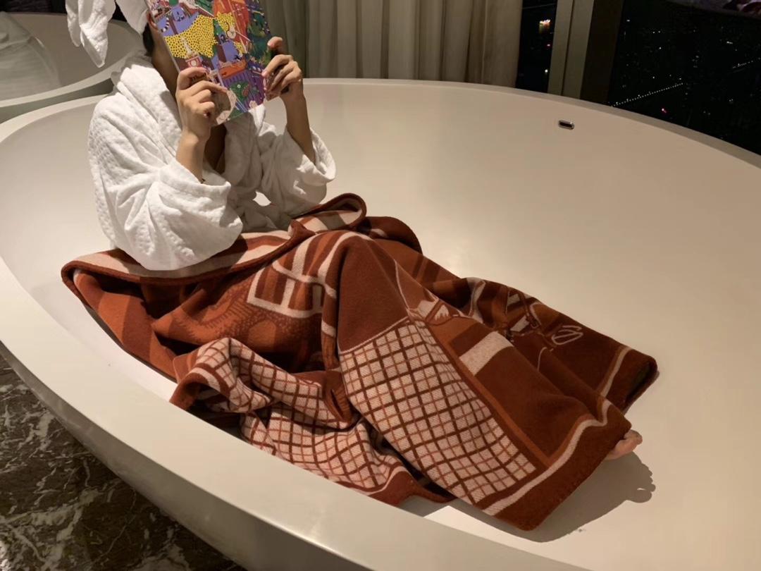 爱马仕中国 H经典款毛毯  酒红色  140*180cm  原版包装