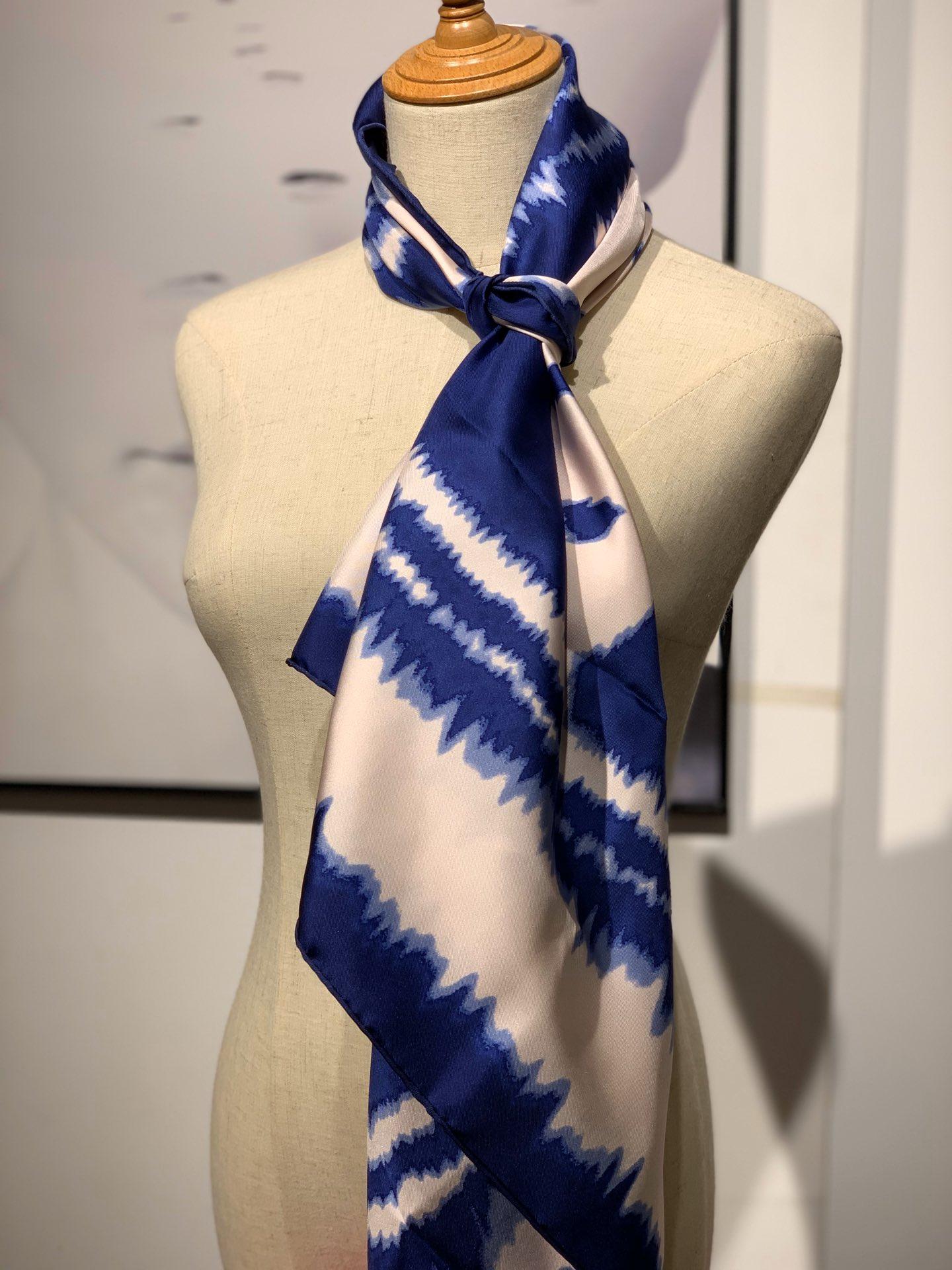 〈 叠影华丽的缰辔 〉蓝色 · - 90×90cm 100%真丝 18mm