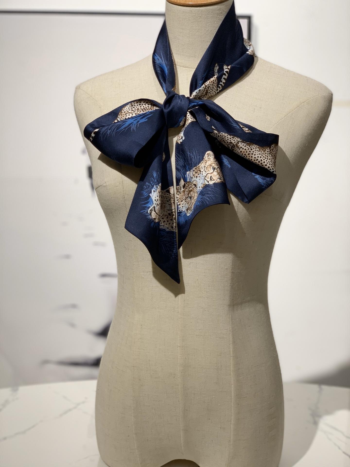 新款 《猎豹》Maxi twitty 藏蓝色 专柜新尺寸 超级百搭实用 10*180cm 100%斜纹真丝