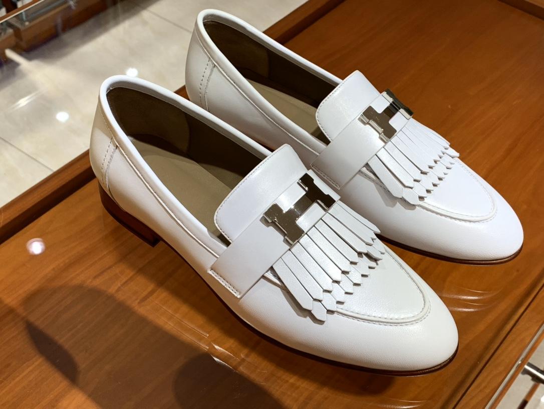 HERMES 乐福鞋 白色