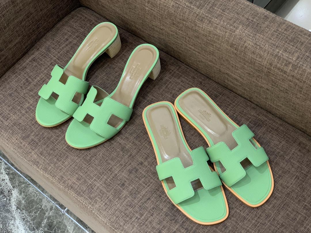 牛油果色 HERMES 掌纹拖鞋 平底 中跟爱马仕香港官网